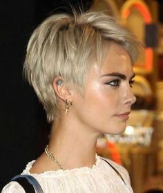 Today we have the most stylish 86 Cute Short Pixie Haircuts. We claim that you have never seen such elegant and eye-catching short hairstyles before. Pixie haircut, of course, offers a lot of options for the hair of the ladies'… Continue Reading → Short Hairstyles For Thick Hair, Short Layered Haircuts, Short Hair With Layers, Curly Hair Styles, Cool Hairstyles, Fashion Hairstyles, Blonde Pixie Hairstyles, Layered Short Hair, Short Cropped Hair