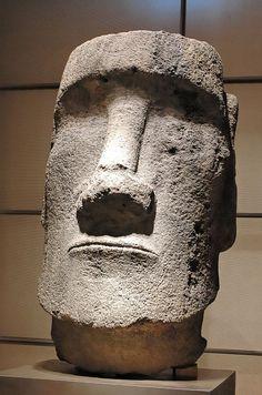 Moai Easter Island InvMH-35-61-1 - Musée de l'Homme — Wikipédia