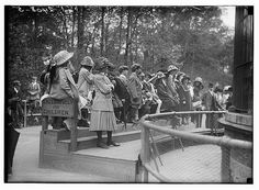 Bain News Service,, publisher.    Children at N.Y. Zoo    [between ca. 1910 and ca. 1915]    1 negative : glass ; 5 x 7 in. or smaller.    Notes:  Title from unverified data provided by the Bain News Service on the negatives or caption cards.  Forms part of: G  Wow. This is great.