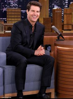 New movie: Tom Cruise performed scenes written by children that were inspired by his new movie The Mummy during a chat show appearance Tuesday Tom Cruise Smile, Tom Cruise Hot, Hollywood Actor, Hollywood Stars, Z Cam, Celebrity Dads, Celebrity Style, Celebs, Celebrities
