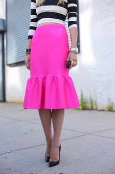 Hot pink ruffle + Graphic black and white stripes.  Add some gold jewels, classic black pumps and you have perfection!!