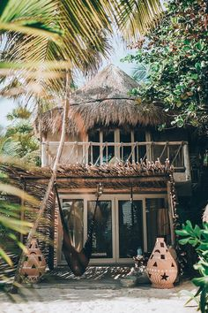 40 Awesome Tropical Beach House Design Ideas - The vast majority's concept of a fantasy house could include something beyond the structure itself. Building a home close to a beach could be an extra. Surf Shack, Beach Shack, Design Hotel, House Design, Villa Design, Bali, Beach Bungalows, Tropical Houses, Tropical Paradise