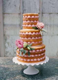 yummy wedding cake; photo: TBM Photography