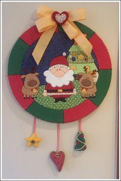"""""""Guirlanda de Natal - Patchwork Embutido 2"""" (Christmas Wreath) - by Patricia…"""