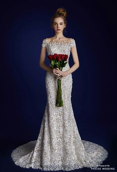 This wedding dress from Jubilee Bride & Amoura Lee Eun Suk is not just beautiful, but meticulously crafted, and full of details and luxurious fabrics. » Praise Wedding Community
