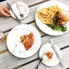 """사진을 """"살짝"""" 포기하고 걍 먹어버린 점심 아침 굶었다고 배고파서 그랬는지 오분만에 클리어 (여기서 셀카봉 리모콘 놓고 왔다고 오빠한테 하루종일 찡찡찡..리모콘 정말 간절하다구요) by i.am.donna_ http://ift.tt/1LQi8GE"""