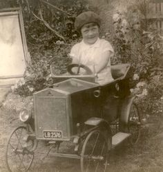 https://flic.kr/p/sDMpks | Photograph of a young girl | Photograph of a young girl in toy car, Basingstoke, England, UK  HMCMS:P2005.1974