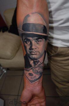 L'artiste Russe Valentina Ryabova de St-Petersburg, est passée maître dans l'art du tatouage hyperréaliste. Du film La Haine à un portrait d'Ale Capone en passant par Ivan le terrible, on peut suivre ses dernières réalisations sur son compte Instagram. #val_tatboo #tatboo #spbtattoofestUne photo publiée par Valentina Ryabova (@val_tatboo) le Juin 6, 2014 at 3:01 PDT 1session #monroe #monro #val_tatboo #tatboo #tattooartist #tattoo_artwork #tattooinrussia…