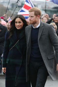 Meghan Markle Photos - Prince Harry and Meghan Markle are seen during a walkabout on the esplanade at Edinburgh Castle with Prince Harry on February 13, 2018 in Edinburgh, Scotland. - Prince Harry and Meghan Markle Visit Edinburgh