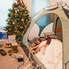 Cozy in our Christmas Tent • Simply Lovebirds