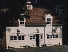 Dreamy, classic, traditional, timeless, can't say enough good things about this fabulous garage/carriage house.