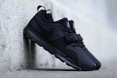 45bc1dd96adf6 Nike SB Trainerendor (Black Dark Grey) - Sneaker Freaker