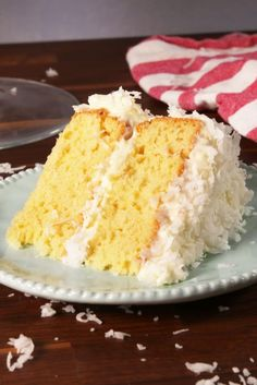 Ultimate Coconut Cake We're coco-nuts about this classic cake! 😛Get the recipe from Delish. Easy Summer Desserts, Summer Dessert Recipes, Dessert Ideas, Potluck Desserts, Dessert Table, Cake Ideas, Coconut Desserts, Coconut Recipes, Coconut Cakes
