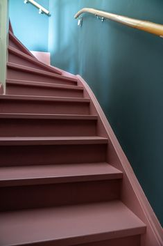 Painted Staircases, Painted Stairs, Foyers, Stairs Colours, House Stairs, Stairway To Heaven, New Home Designs, Staircase Design, Elegant Homes