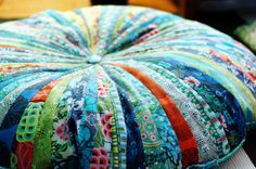 Pattern review: Jelly Roll floor pillows | Green apples