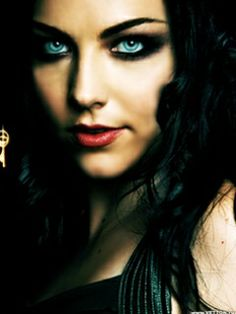 Amy Lee  - Evanescence always has the coolest make-up