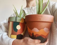 Diy And Crafts, Arts And Crafts, Decor Crafts, Painted Plant Pots, Painted Flower Pots, Decoration Plante, Art Diy, Plant Decor, Diy Gifts