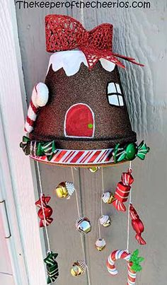 Clay Pot Gingerbread House Wind Chime - The Keeper of the Cheerios Christmas Clay, Christmas Ornament Crafts, Christmas Projects, Holiday Crafts, Christmas Decorations, Flower Pot Crafts, Clay Pot Crafts, Shell Crafts, Twine Crafts