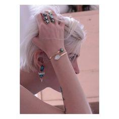 J-21...Avis à tous nos amoureux ! Mimilamour nous fait rêver avec son bracelet Swarovski, on le veut sous le sapin !!