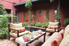 Outdoor Rooms, Outdoor Gardens, Outdoor Living, Outdoor Furniture Sets, Outdoor Decor, Colonial House Exteriors, Garden Nook, Patio Interior, My Dream Home
