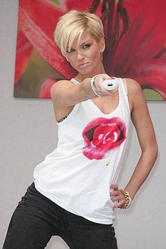 Sarah Harding-Short pixish crop. This cut started my journey with short hair. Great for fine hair.