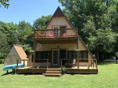 Little A-frame cabin on lake, Witchita, KS ($83/night)