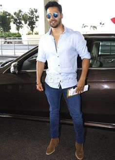 Must have top bollywood fashion style - the fashion and passion of bollywood is the pride of oldindia. Click above VISIT link for more - Bollywood Fashion Bollywood Outfits, Bollywood Fashion, Alia Bhatt Varun Dhawan, Handsome Indian Men, Celebrity Sunglasses, Mumbai Airport, Alia And Varun, All Black Looks, Actors Images