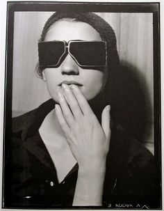 1929!!!!!! Looks so modern  Lee Miller, Paris, circa 1929  Photo; Man Ray