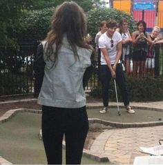 Eleanor Calder and Louis Tomlinson. Even their dates are ruined by fans :(
