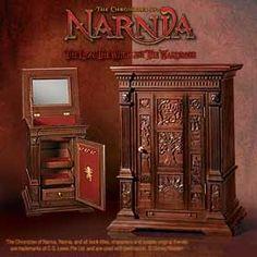 The Chronicles of Narnia Wardrobe Jewelry Chest Jewelry Chest, Jewelry Armoire, Jewelry Box, Jewellery, Clean Gold Jewelry, Black Gold Jewelry, Narnia Jewelry, Objet Wtf, Narnia Wardrobe