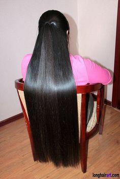 Discover amazing hair care tips and hints. Long Straight Black Hair, Long Silky Hair, Super Long Hair, Beautiful Long Hair, Gorgeous Hair, Amazing Hair, Peinados Pin Up, Silk Hair, Hair Shows