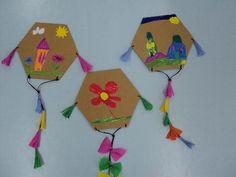 Οι χαρταετοί μας στις 12ο νηπιαγωγείο Χαϊδαρίου το blog μας Carnival Crafts, Carnival Masks, Diy And Crafts, Crafts For Kids, Arts And Crafts, Kite Decoration, Kites Craft, Greek Crafts, Educational Crafts