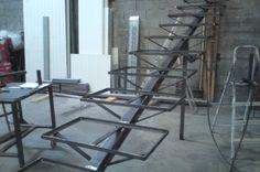 Fabrication escalier limon central et corniéres soudées pour remplissage lames de composite