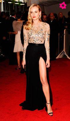 vestido de festa, fenda perna,dourado.