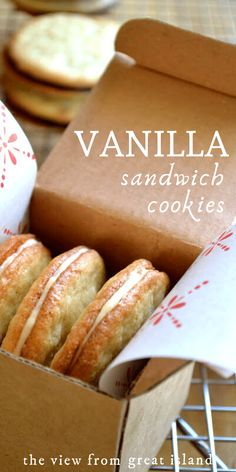 Vanilla Sandwich Cookies are crunchy on the outside, chewy on the inside, and bursting with tons of real vanilla flavor ~ this easy cookie recipe is a hit! Vanilla Cookie Recipe, Vanilla Cookies, Coconut Cookies, Yummy Cookies, Vanilla Recipes, Chocolate Chip Shortbread Cookies, Chocolate Chip Oatmeal, Chocolate Ganache, Oatmeal Cake