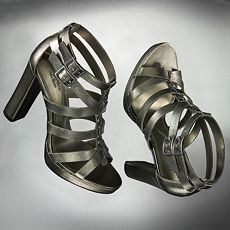 SImply Vera Wang is exclusive to Kohls and I instantly fell in love with the gladiator inspired Didi Dress sandals, perfect for toughening up summer dresses and skirt suits. On sale at just $28.99, this purchase was a steal! I still can't believe how mg