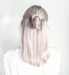 Outra versão atrás da cabeça, mas mais certinho. E essa cor de cabelo linda?