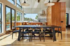 Inspiração do dia: cozinha com ilha de madeira