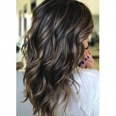 Balayage is the most popular hairstyle at present. In addition to ombre hairstyles or Brazilian hairstyles, balayage hairstyles dominate the dominant hairstyle trend. So what are balayage hairstyles and why are they so popular? Hair Color And Cut, Brown Hair Colors, Dark Fall Hair Colors, Hair Color Ideas For Black Hair, Dark Colors, Dark Brunette Hair, Golden Blonde, Blonde Hair, Brunette Color