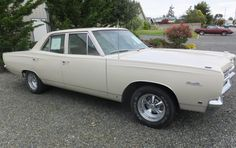The two-door version of this car may be more visually appealing, but this could be one of the better classic Mopar bargains around. Rat Rods, Plymouth Satellite, Mopar Or No Car, Cogs, Barn Finds, Muscle Cars, Vintage Cars, Dream Cars, Gears