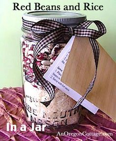 Easy instructions and printable directions to make unique red beans and rice: gift in a jar.