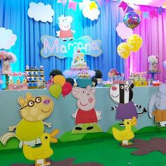 Mariana Pig Party... #decoraciondefiestasinfantilesbarranquilla #kidspartydecor #kidscelebration #kidsparty #kidsparties #fiestasbarranquilla #fiestas #fiestasinfantiles #ateliercreativo #atelier_creativo #dulcespersoanlizados #kidscelebration #barranquilla #santamarta #cartagenadeindias #cartagena #Colombia #Invitacionesinfantiles #tarjetasdeinvitacion #tarjetas #peppapigparty #peppapiginvitation #peppapiginvites #peppaworld #peppapig Invitacion Peppa Pig, Cumple Peppa Pig, 4th Birthday Parties, 3rd Birthday, George Pig Party, Pig Candy, Pig Birthday Cakes, Birthday Decorations, Party Themes