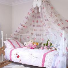 & Pretty DIY Canopy Beds | Diy canopy Canopy and Room
