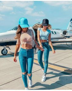 Likes, 44 Comments - Diary Inspiration 🍉 ( on Instag . Cute Friend Pictures, Best Friend Pictures, Friend Outfits, Matching Outfits Best Friend, Cute Friends, Happy Friends, Best Friend Goals, Best Friends Forever, Photography Poses