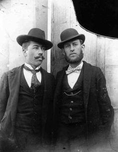 Google Image Result for http://www.texasescapes.com/VintagePhotos/Images/ColumbusTexasMenwithDerbyHatsNesbittLibrary00999.jpg