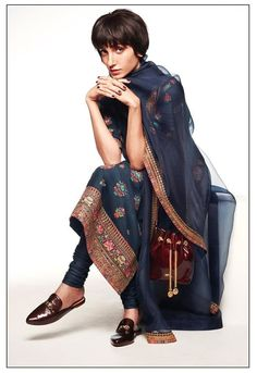 Check out the latest Sabyasachi Summer Collection 2020 For The Best Wedding Outfit Ideas that can be your wedding dress in this wedding season! Indian Fashion Modern, Latest Indian Fashion Trends, Ethnic Fashion, Women's Fashion, Sabyasachi Suits, Sabyasachi Bride, Anarkali Suits, Churidar, Salwar Kameez