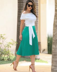 Skirt Outfits, Dress Skirt, Casual Dresses, Fashion Dresses, Rose Clothing, Office Outfits Women, Moda Chic, Fashion Corner, Church Outfits