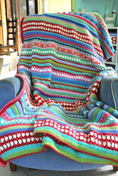 Mixed stripey blanket - finished!! by little woollie, via Flickr