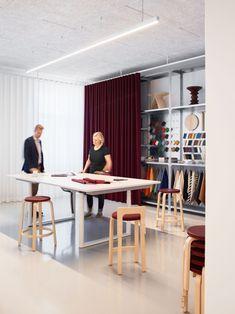 Artek HQ Helsinki SevilPeach Vitra Inside Look Finland Office Architecture Architects Architect Modern Interior Design Sleek Furniture Company Cool Rooms, Small Rooms, Helsinki, Showroom Design, Interior Design, Showroom Ideas, Vitra Furniture, Hvac Installation, Soft Seating