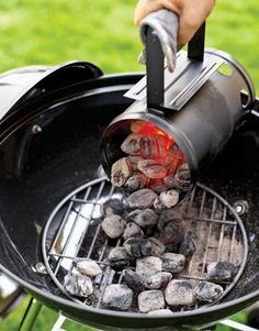 Barbecue smokers - do I need one if I have a charcoal grill? If you have a charcoal grill, it is sometimes (but not always) difficult to use it as a smoker. Grilling Tips, Grilling Recipes, Bbq Tips, Barbecue Recipes, Vegetarian Grilling, Healthy Grilling, Barbecue Sauce, Vegetarian Food, Grillin And Chillin